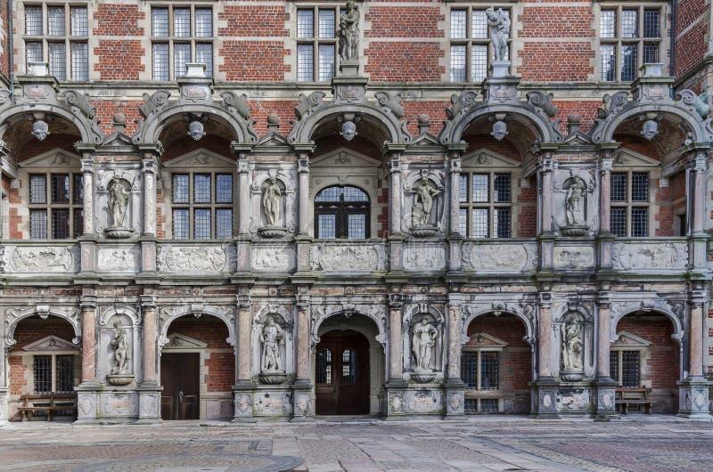Främre sida för slott royaltyfri fotografi