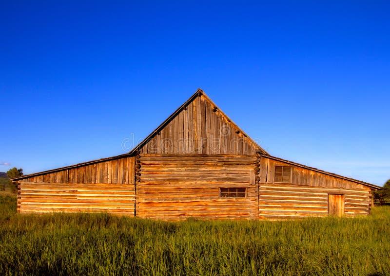 Främre sikt av den berömda Ten A Moulton ladugård i den storslagna Teton nationalparken, USA Detta är en av de mest fotograferade royaltyfria foton