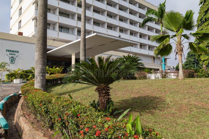 Främre sikt av det första hotellet Ibadan Nigeria arkivbild