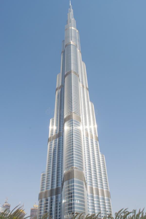 Främre sikt för Burj Khalifa torn royaltyfri fotografi