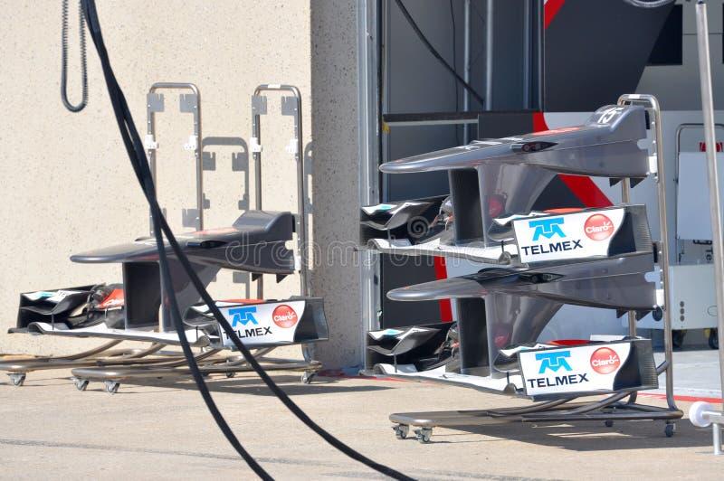 främre tävlings- saubervinge 2012 för bil f1 arkivbilder