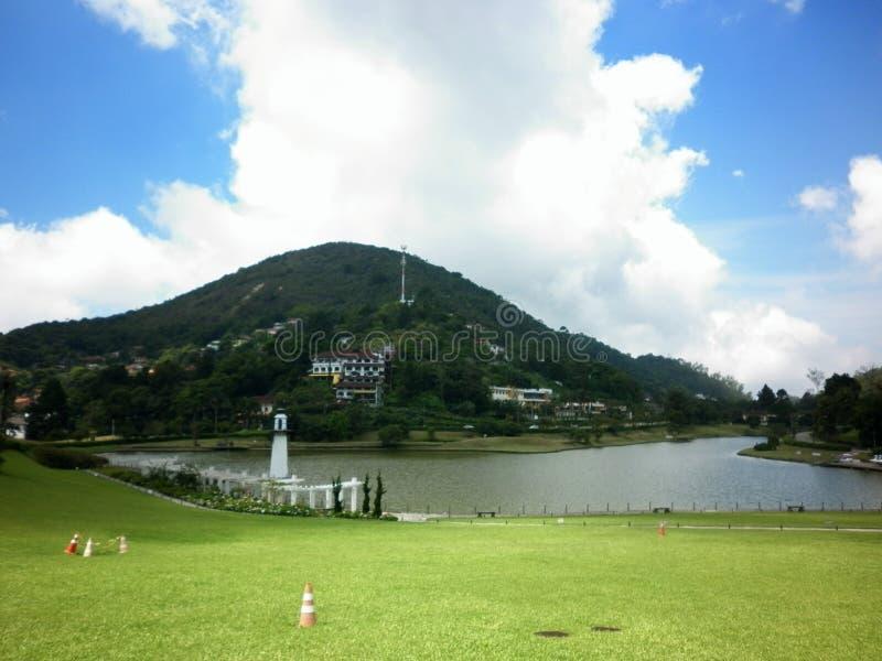 Främre trädgård i Petrópolis royaltyfri bild