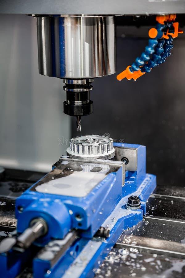 Fräsmaschine Metallverarbeitung CNC lizenzfreies stockbild