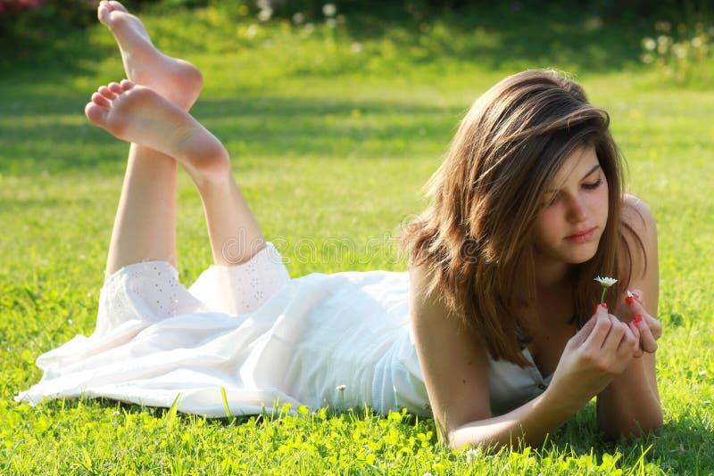 Fråga tusenskönan om förälskelse fotografering för bildbyråer