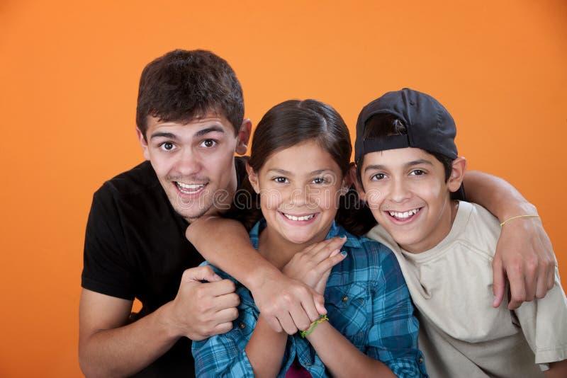 Frère avec deux enfants de mêmes parents image libre de droits