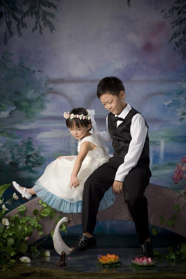 Frère et soeur chinois image stock