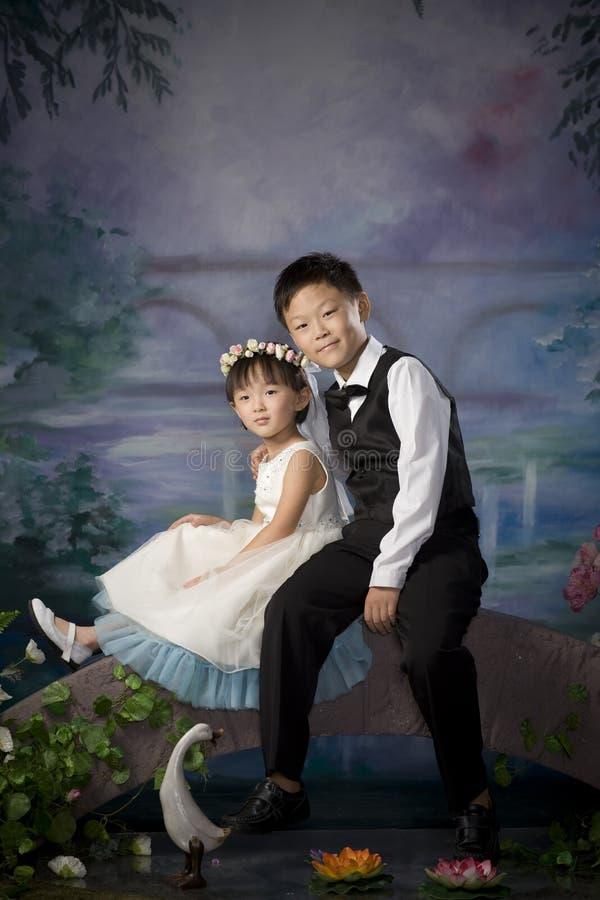 Frère et soeur chinois image libre de droits