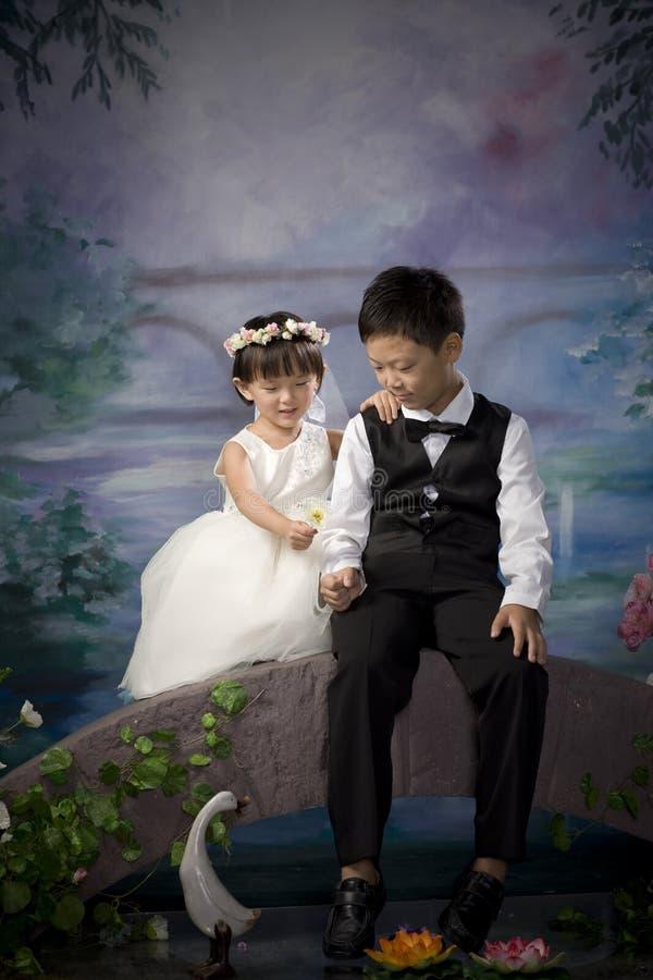 Frère et soeur chinois photographie stock