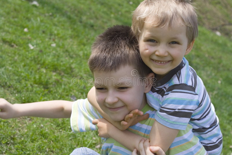 Download Frères photo stock. Image du soeur, amour, enfants, frères - 726874