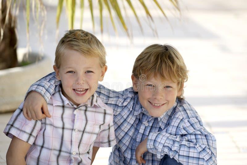Frères heureux image libre de droits