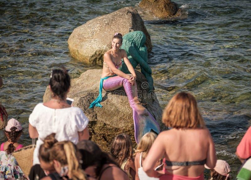 Fröcken Mermaid International 2016 med en Sirenella royaltyfria bilder