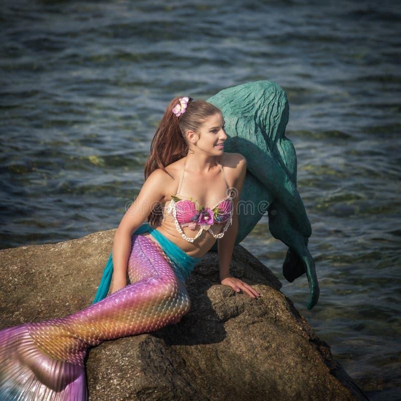 Fröcken Mermaid International 2016 med en Sirenella arkivfoton