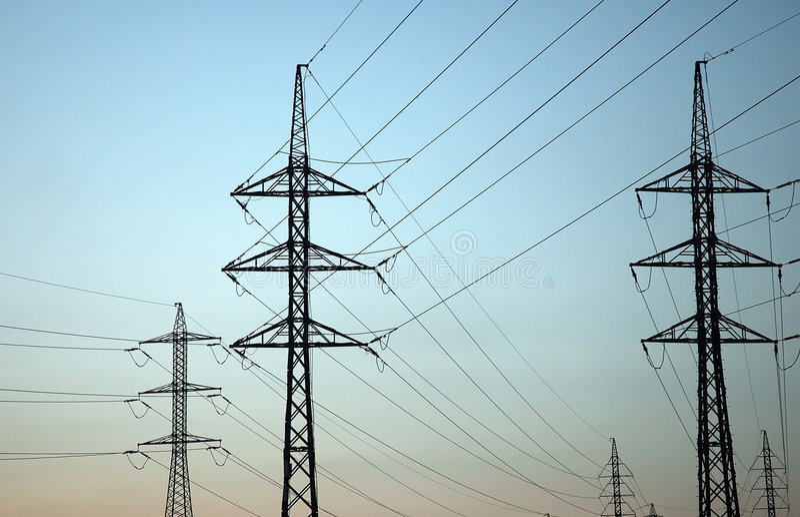 Download Früher Sonnenuntergang Mit Stromleitungen Stockfoto - Bild von hoch, seilzüge: 859100
