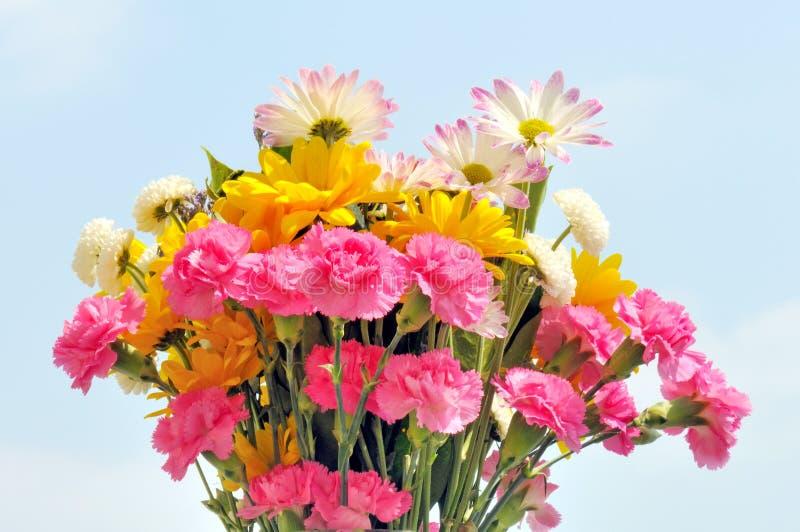 Frühlingsblumenstrauß stockfotos
