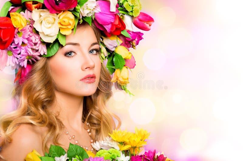 Frühlingsfrau, Schönheitsporträt lizenzfreies stockfoto