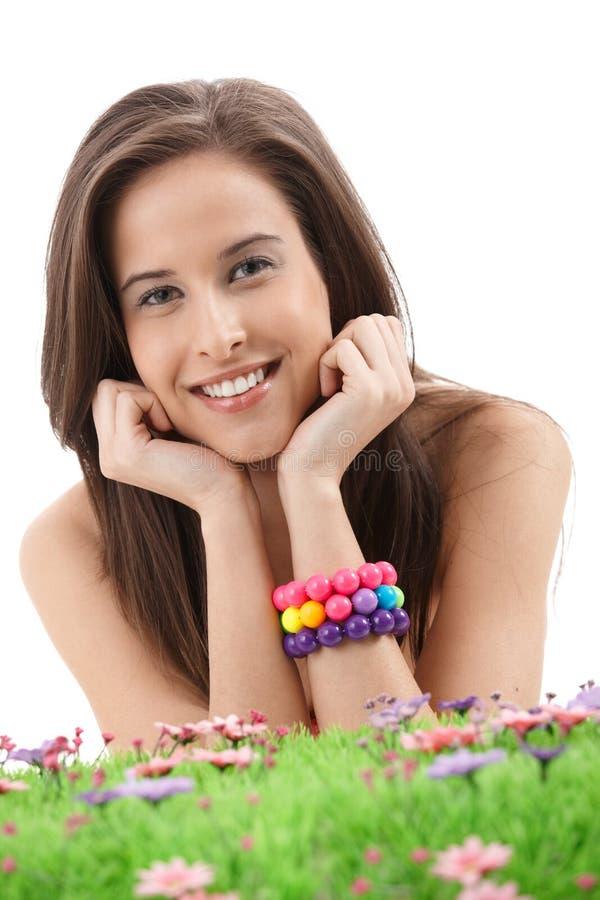 Frühlingsportrait des hübschen Mädchens lizenzfreie stockfotografie