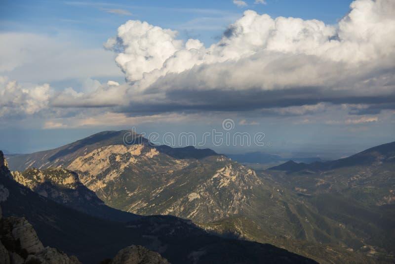 Frühlingssonne in Montsec, Lleida, Spanien stockbilder