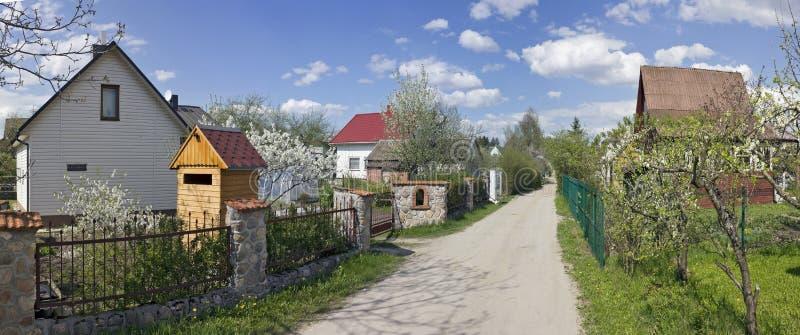 Frühlingszeit der blühenden Obstbäume stockbild