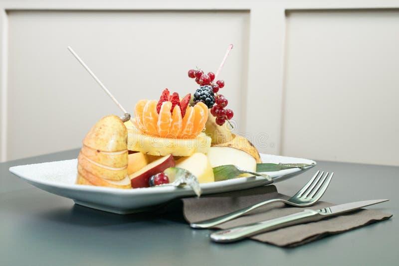 Frühstück mit Frucht stockfoto