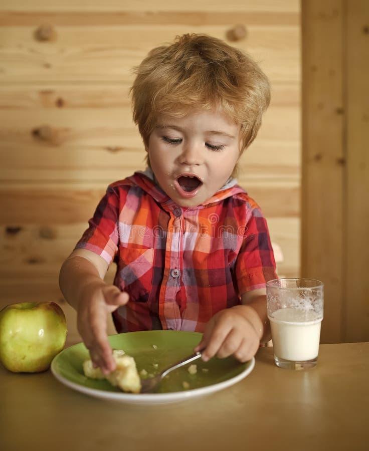 Frühstück, Morgen, Familie lizenzfreie stockfotografie