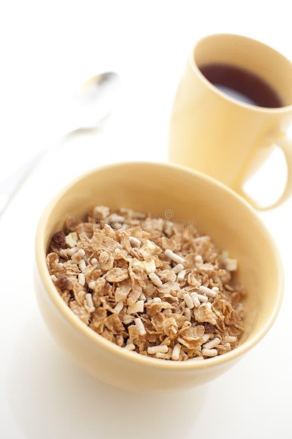 Frühstückskost aus Getreide und Kaffee lizenzfreie stockfotos