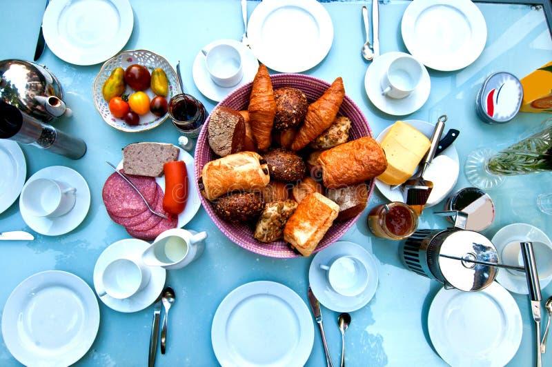 Download Frühstückstisch Angesehen Von Oben Stockfoto   Bild Von Getränk,  Morgen: 26145040