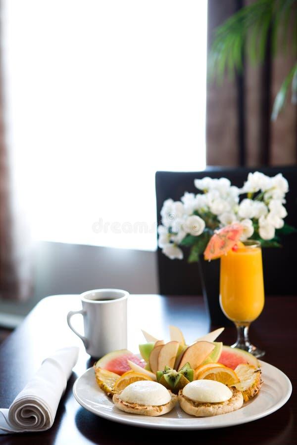 Frühstückstisch im Hotel stockfoto