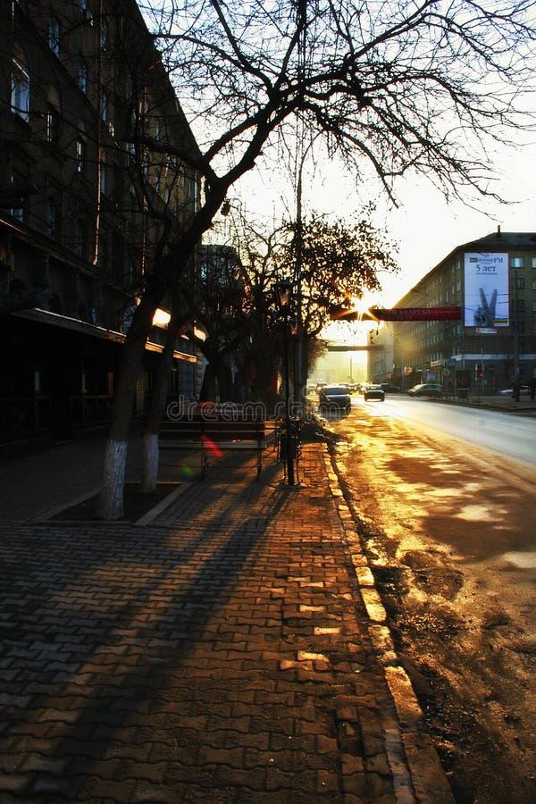 Fr?her Morgen in der Stadt lizenzfreie stockfotografie