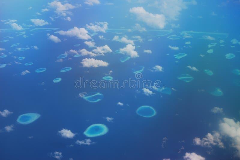 Fra cielo e l'oceano. fotografie stock libere da diritti