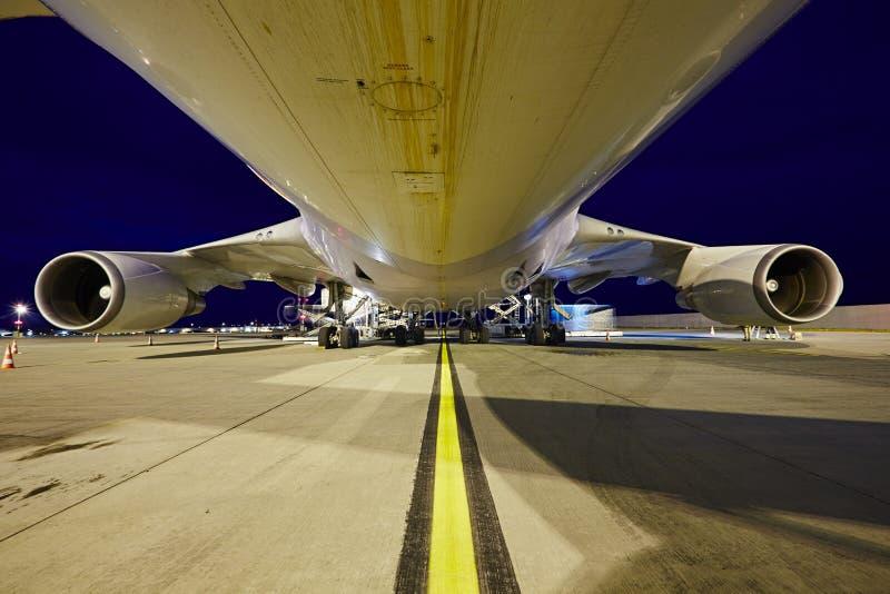 Frachtflugzeug lizenzfreies stockbild