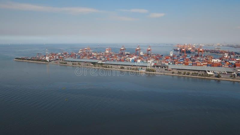 Frachtindustriehafenvogelperspektive Manila, Philippinen stockfoto