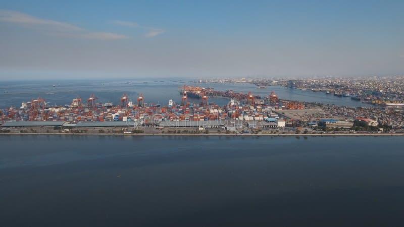 Frachtindustriehafenvogelperspektive Manila, Philippinen lizenzfreie stockfotografie