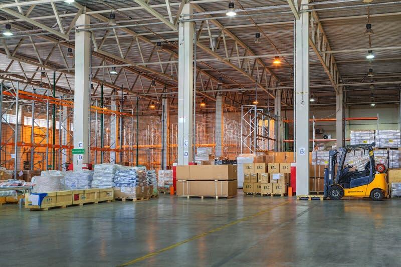 Frachtowych spedycyjnych logistyk składowy składować, zwyczaj spajający zdjęcie royalty free