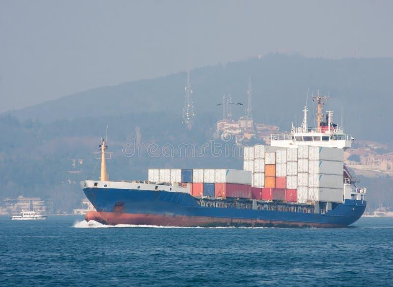 Download Frachtschiff stockbild. Bild von miami, fracht, export - 27726557