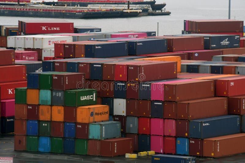 Frachtschiff Behälter im Hafen von Bayonne New-Jersey lizenzfreies stockfoto