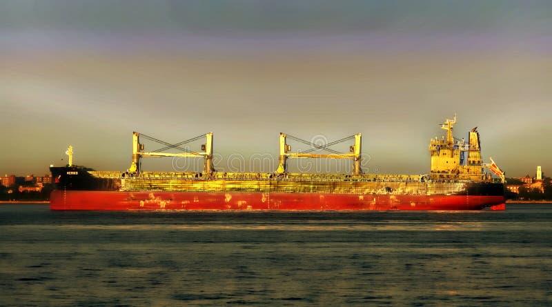 Frachtschiff und Ozean stockbilder