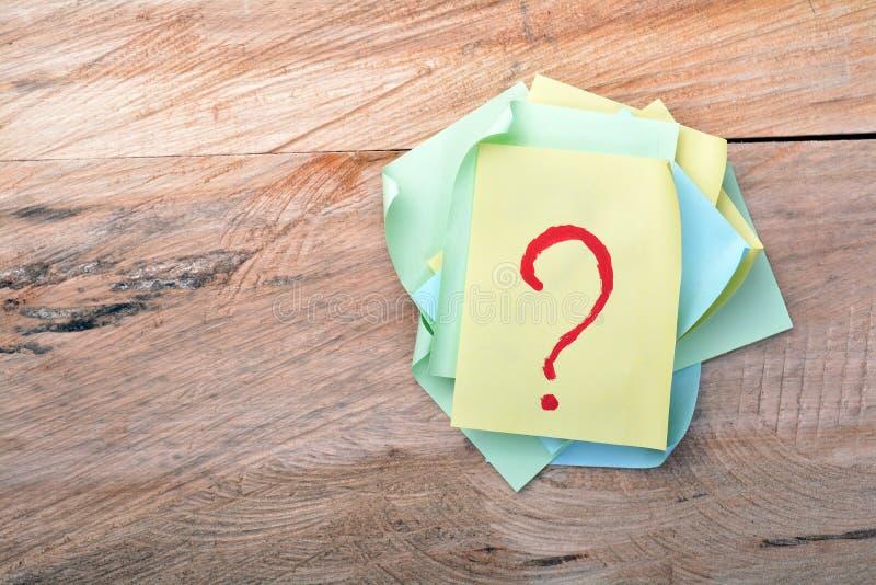 Frage Mark Sticky Note stockbild