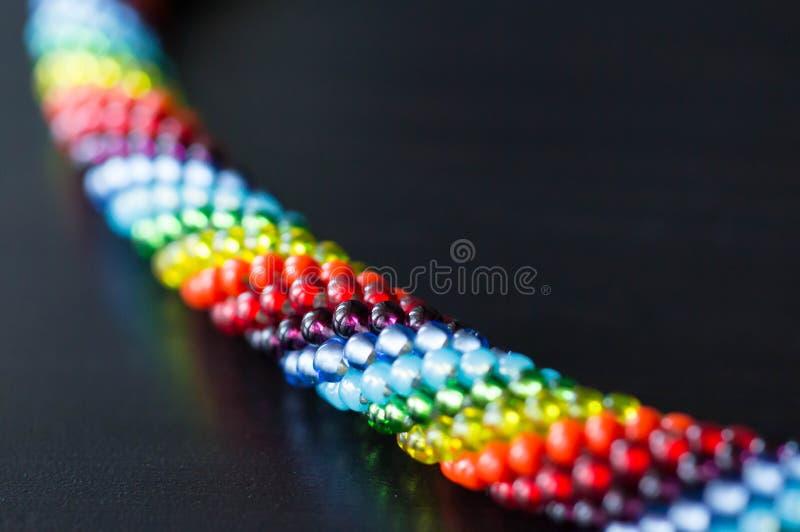 Fragment av enfärgad halsband fotografering för bildbyråer