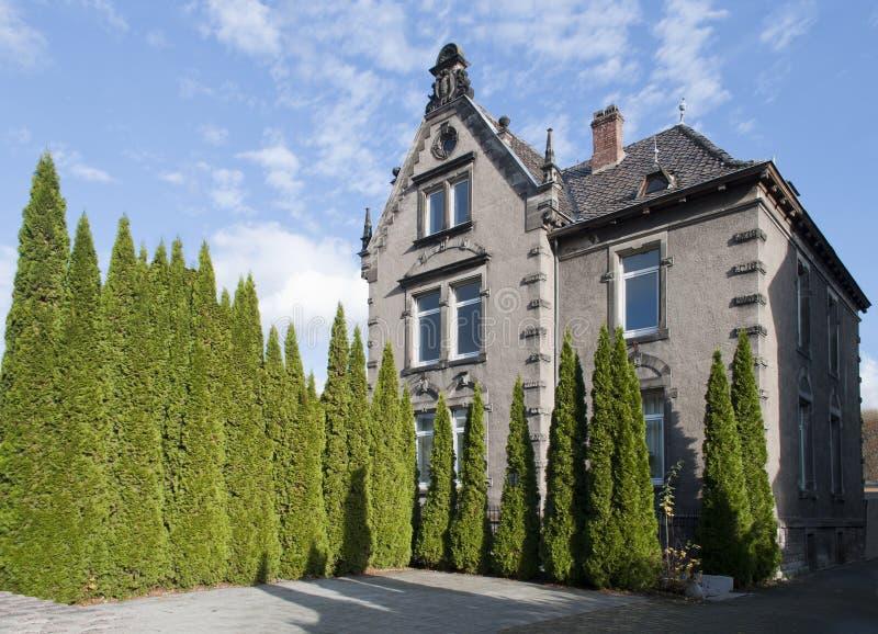 Fragment av ett luxary hus som göras av grå färgstenen germany royaltyfri fotografi