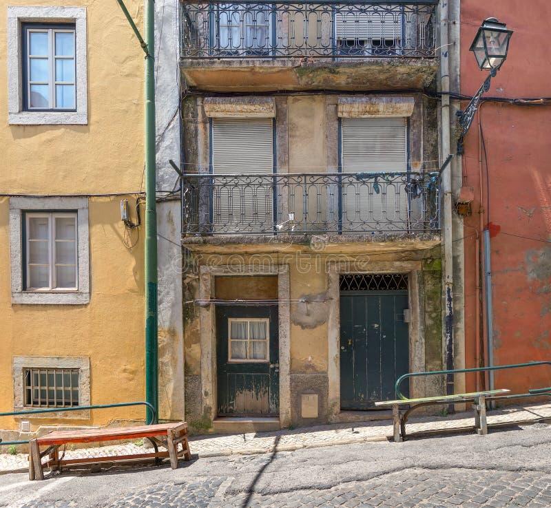 Fragment av fasaden av huset lisbon portugal arkivbilder