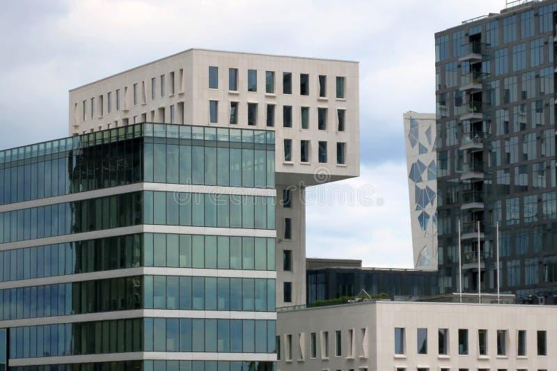 Fragment av moderna byggnader i Oslo, huvudstad av Norge arkivbilder
