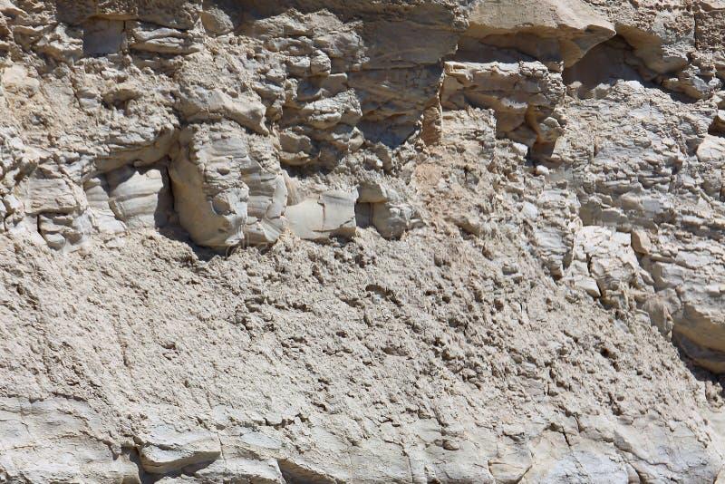 Fragment d'une roche de chaux sur une plage maltaise photo libre de droits