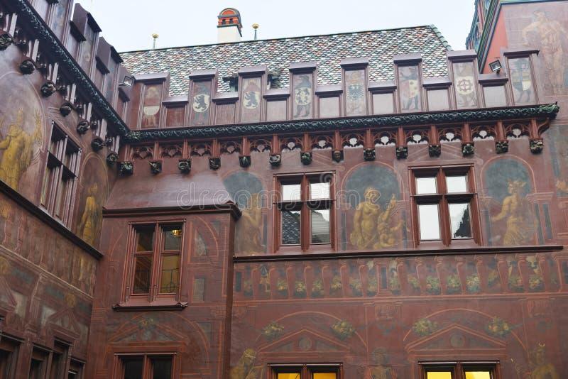 Fragment de l'intérieur de hôtel de ville à Bâle image stock