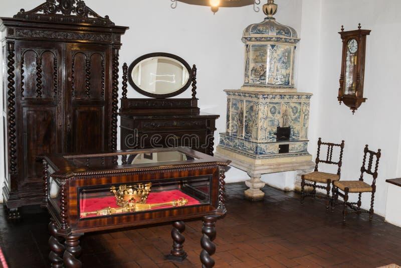 Fragment de la chambre à coucher royale dans le château de son Ville de son en Roumanie images libres de droits