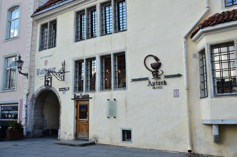 Fragment de la pharmacie d'h?tel de ville ? vieux Tallinn - la capitale de l'Estonie image libre de droits