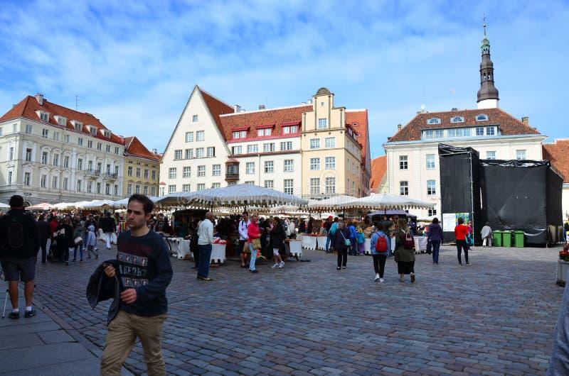 Fragment de la vieille ville Hall Square - la partie antique de Tallinn photographie stock