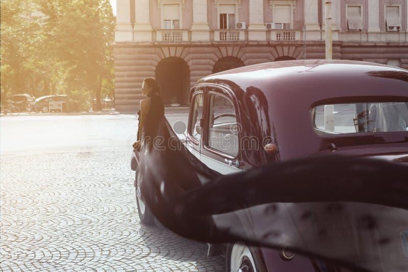 Fragment de r?tro voiture rouge images libres de droits