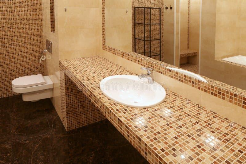 Fragment de salle de bains de luxe image libre de droits