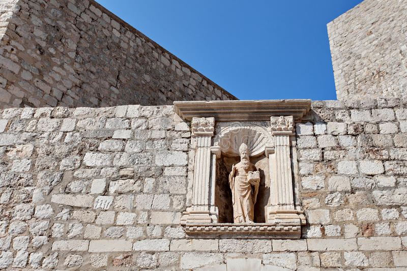 Fragment der verstärkten Wand der alten Stadt, Dubrovnik, Dalmatien, Kroatien lizenzfreies stockbild