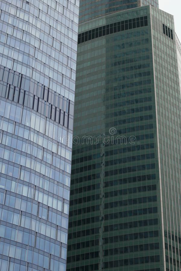 Fragment des gratte-ciel Construction moderne images stock